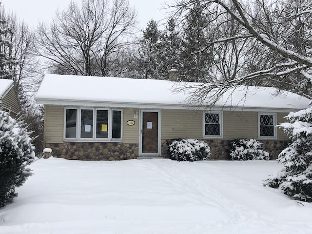 1530 Roosevelt Dr, West Bend, Wisconsin 53090, 4 Bedrooms Bedrooms, 6 Rooms Rooms,1 BathroomBathrooms,Single-Family,For Sale,Roosevelt Dr,1622473
