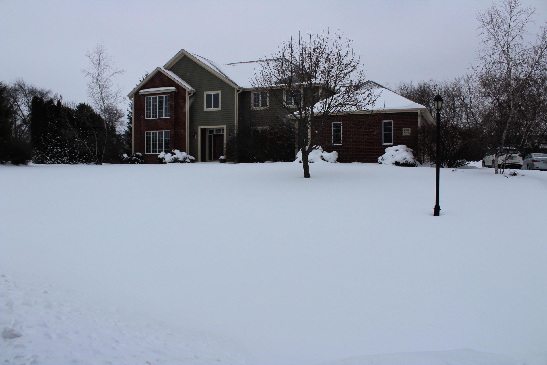W289N3795 Huntsman Ct, Delafield, Wisconsin 53072, 4 Bedrooms Bedrooms, 9 Rooms Rooms,4 BathroomsBathrooms,Single-Family,For Sale,Huntsman Ct,1621037