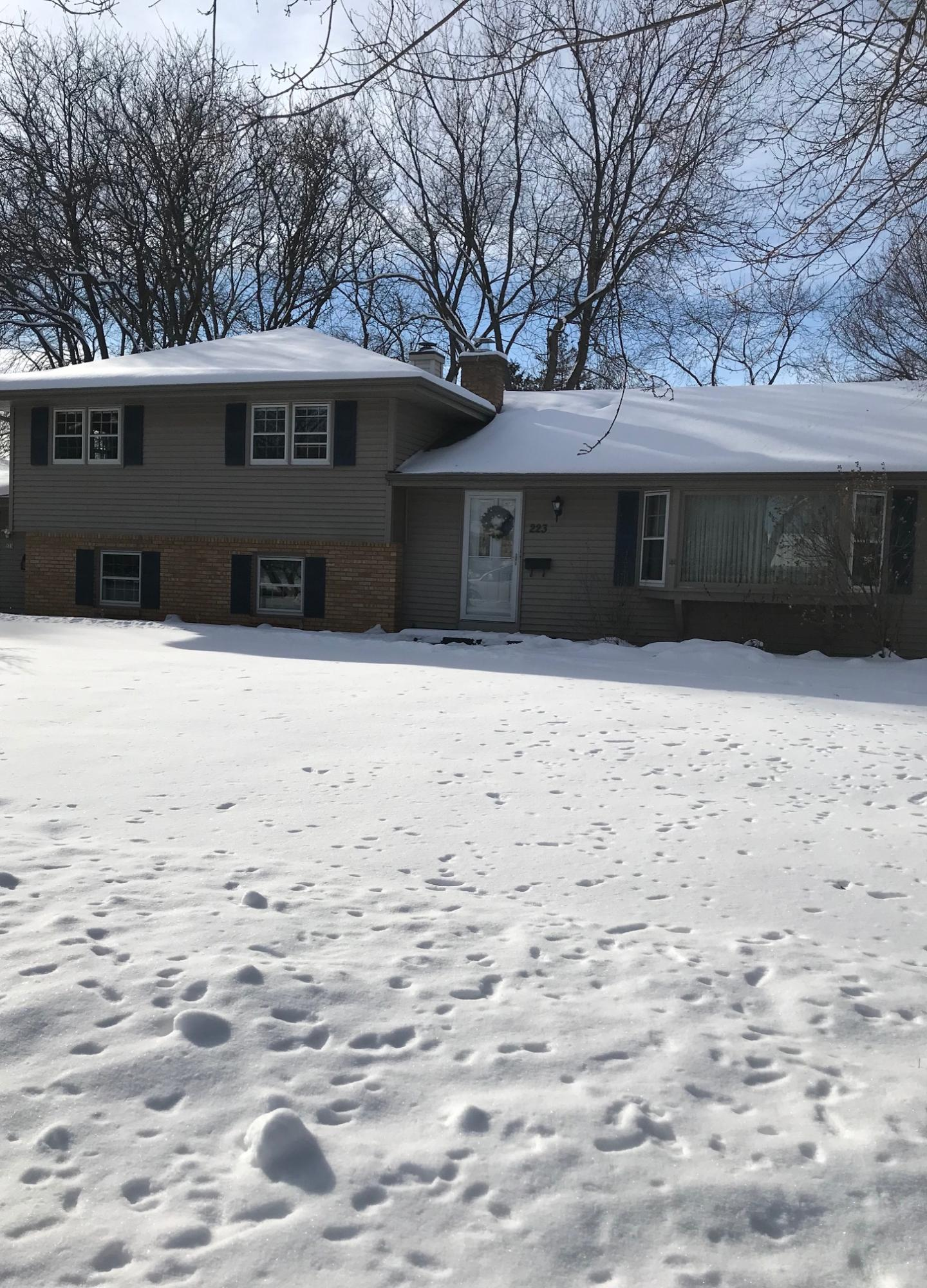 223 Hazel Ln, Hartland, Wisconsin 53029, 3 Bedrooms Bedrooms, ,Single-Family,For Sale,Hazel Ln,1621123