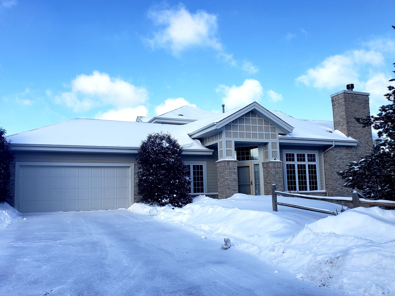 16860 Lake Rd, Brookfield, Wisconsin 53005, 3 Bedrooms Bedrooms, 8 Rooms Rooms,3 BathroomsBathrooms,Condominiums,For Sale,Lake Rd,2,1621346