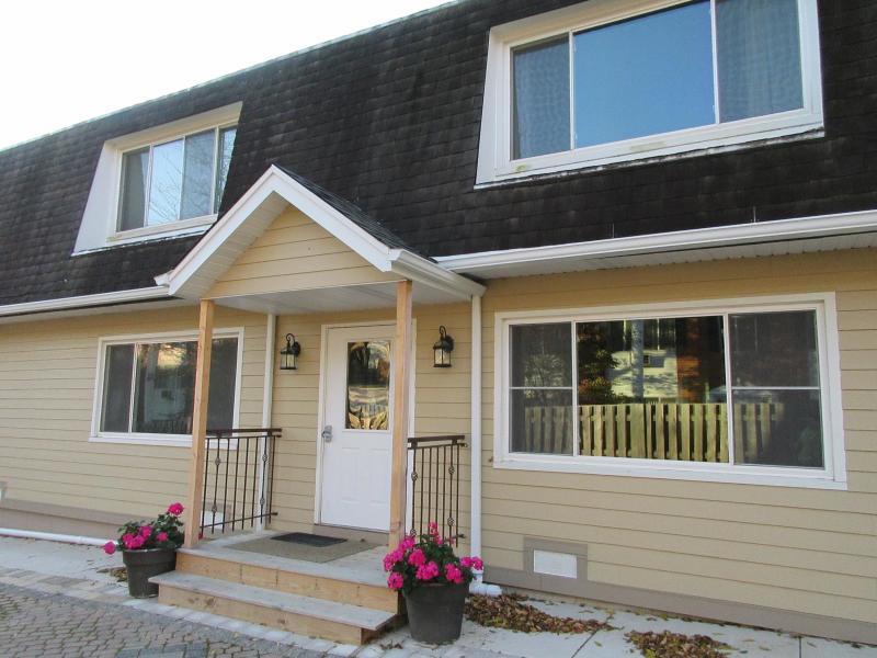 251 Elmwood Ave #3 Lake Geneva, WI 53147 Property Image