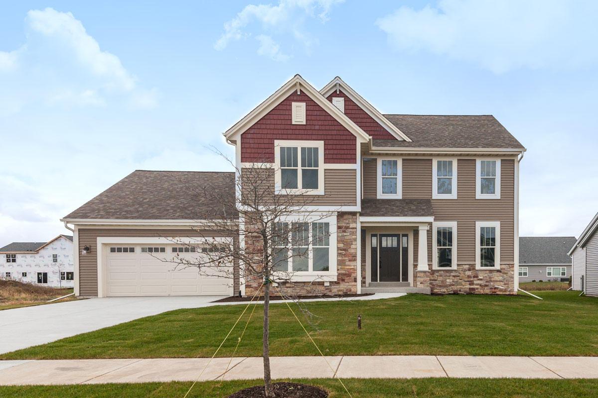 1402 Rosewood Pass, Oconomowoc, Wisconsin 53066, 4 Bedrooms Bedrooms, 9 Rooms Rooms,2 BathroomsBathrooms,Single-Family,For Sale,Rosewood Pass,1621581