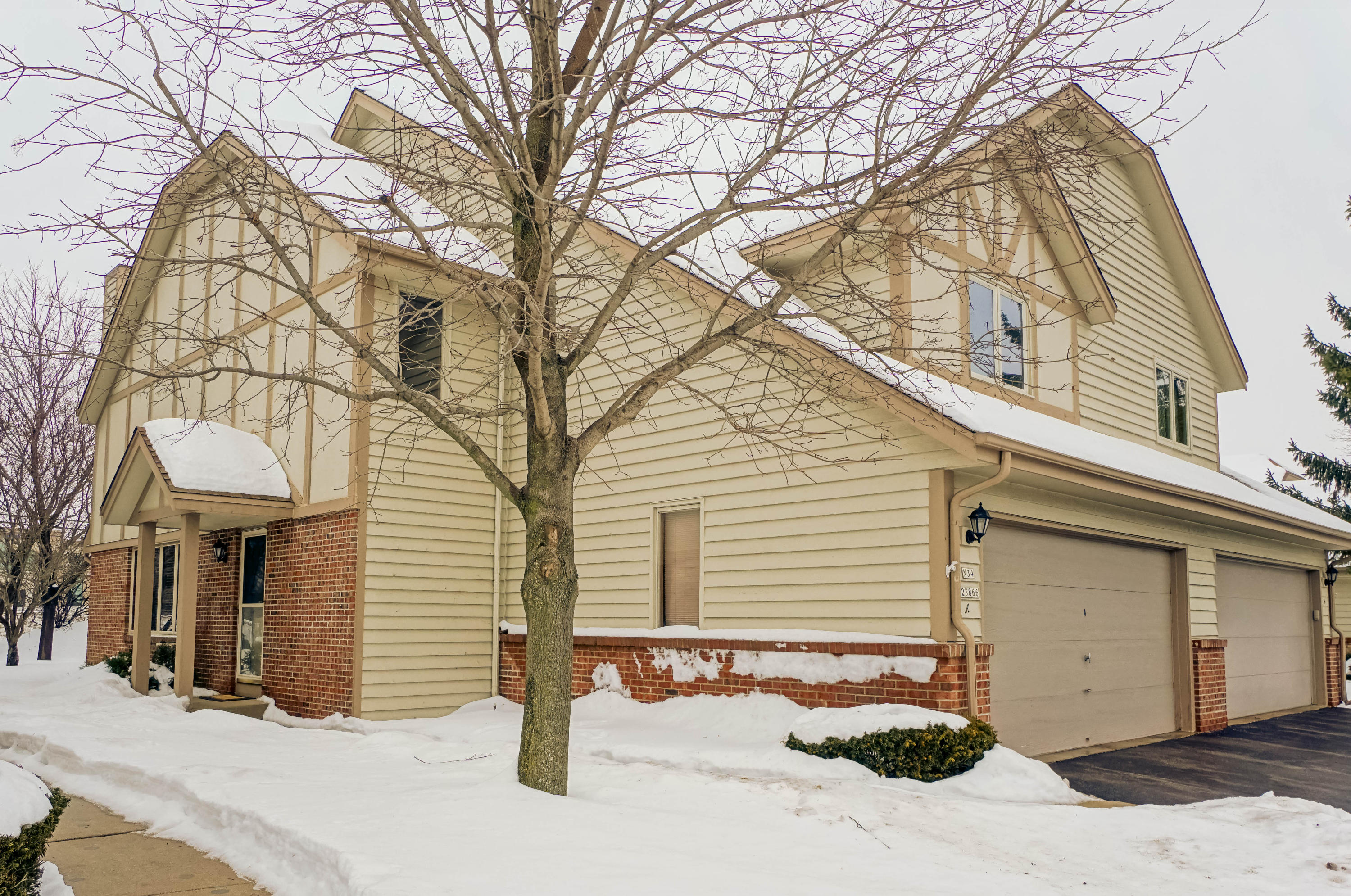 N34W23866 Grace Ave, Pewaukee, Wisconsin 53072, 3 Bedrooms Bedrooms, 6 Rooms Rooms,2 BathroomsBathrooms,Condominiums,For Sale,Grace Ave,1,1621603