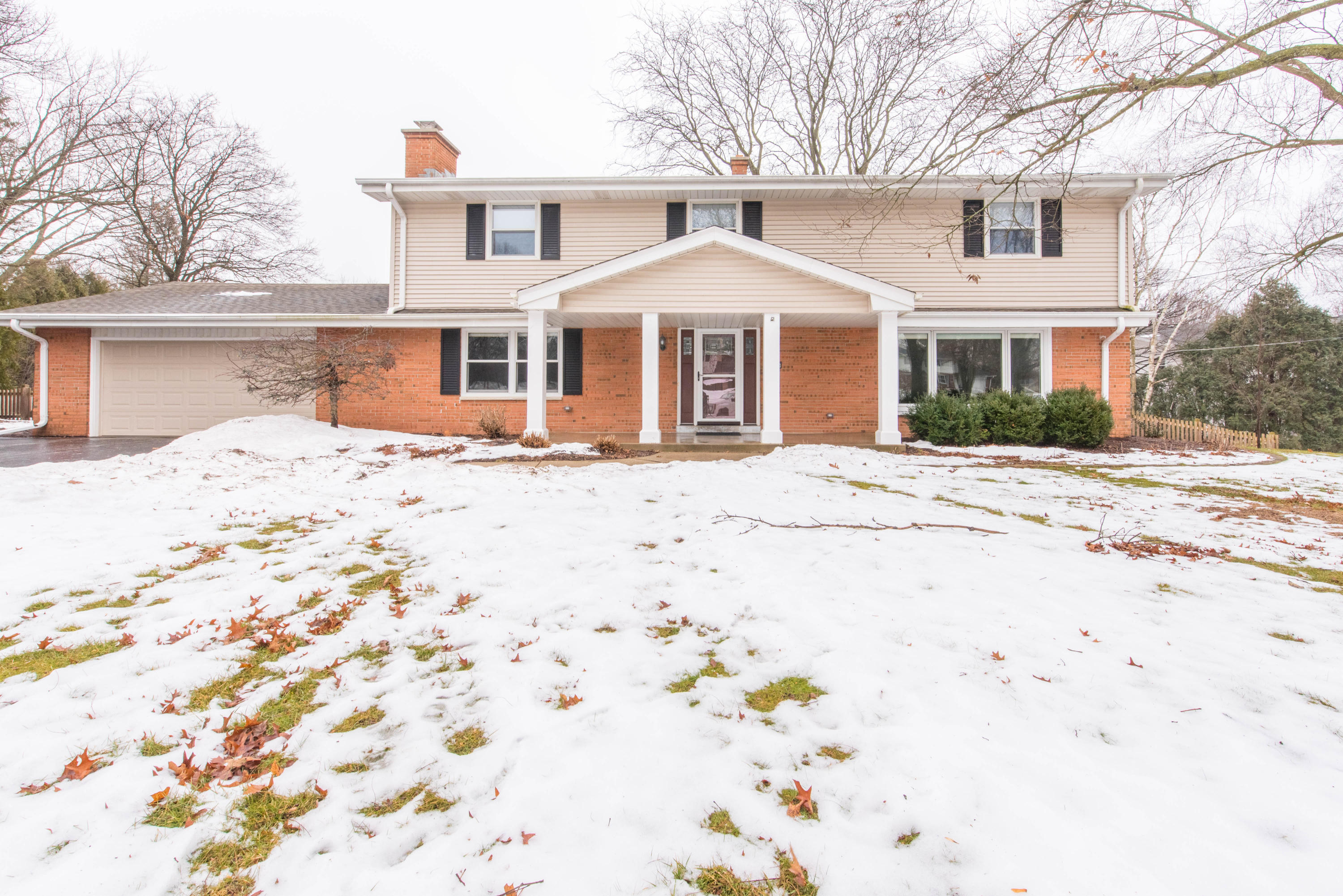 4380 Continental Ct, Brookfield, Wisconsin 53045, 4 Bedrooms Bedrooms, ,2 BathroomsBathrooms,Single-Family,For Sale,Continental Ct,1621753