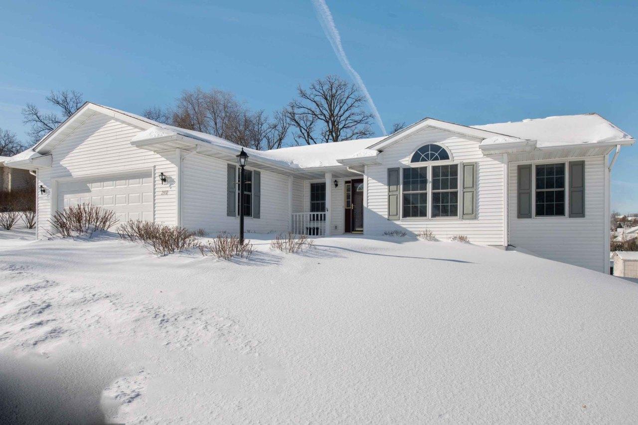 2332 Brookstone Ln, Waukesha, Wisconsin 53188, 3 Bedrooms Bedrooms, ,2 BathroomsBathrooms,Single-Family,For Sale,Brookstone Ln,1621184