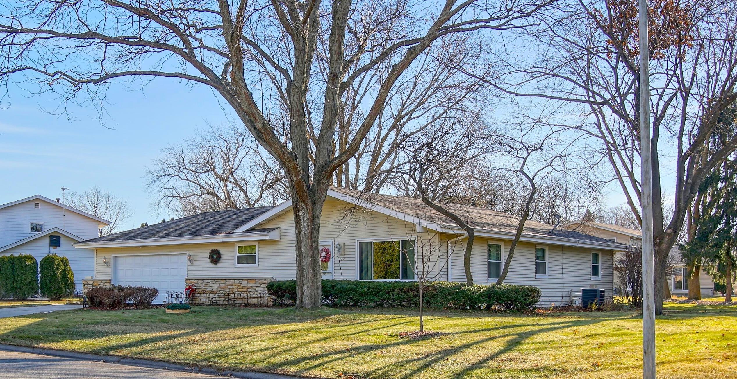 729 Skylark Dr, Oconomowoc, Wisconsin 53066, 3 Bedrooms Bedrooms, ,1 BathroomBathrooms,Single-Family,For Sale,Skylark Dr,1622202