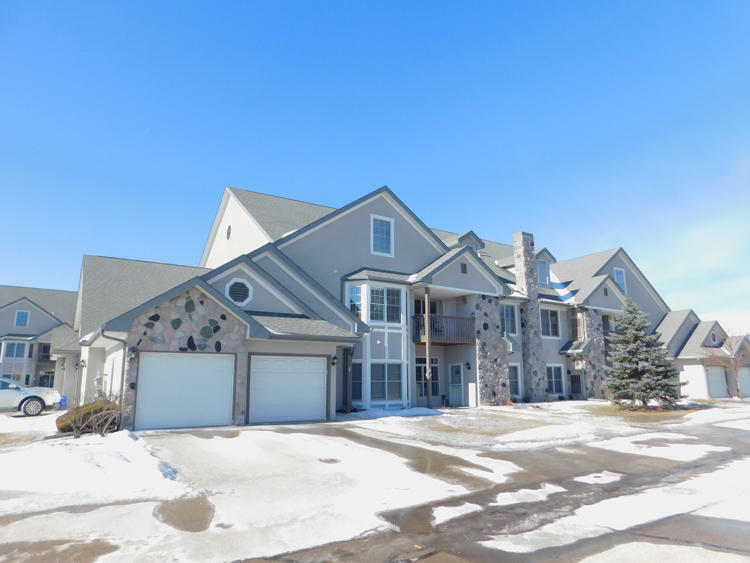 N30W23051 Pineview Way, Pewaukee, Wisconsin 53072, 3 Bedrooms Bedrooms, ,2 BathroomsBathrooms,Condominiums,For Sale,Pineview Way,2,1622443