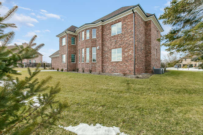 1215 42nd Ave, Somers, Wisconsin 53144, 5 Bedrooms Bedrooms, 10 Rooms Rooms,5 BathroomsBathrooms,Single-Family,For Sale,42nd Ave,1622483