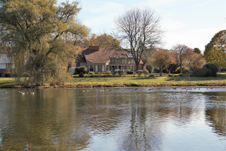 1005 Golden Meadow Gln, Brookfield, Wisconsin 53045, 6 Bedrooms Bedrooms, 14 Rooms Rooms,3 BathroomsBathrooms,Single-Family,For Sale,Golden Meadow Gln,1622514