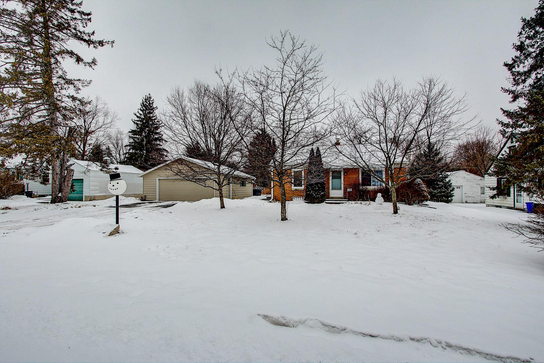 1120 Georges Ave, Brookfield, Wisconsin 53045, 2 Bedrooms Bedrooms, ,2 BathroomsBathrooms,Single-Family,For Sale,Georges Ave,1622584