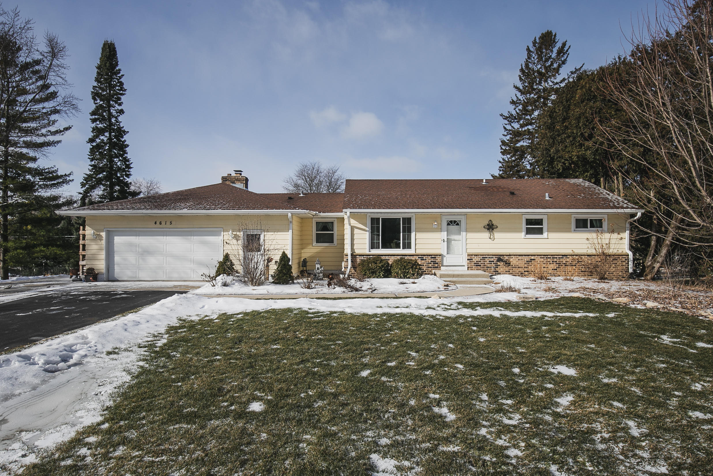 4615 149th St, Brookfield, Wisconsin 53005, 3 Bedrooms Bedrooms, 6 Rooms Rooms,2 BathroomsBathrooms,Single-Family,For Sale,149th St,1622636