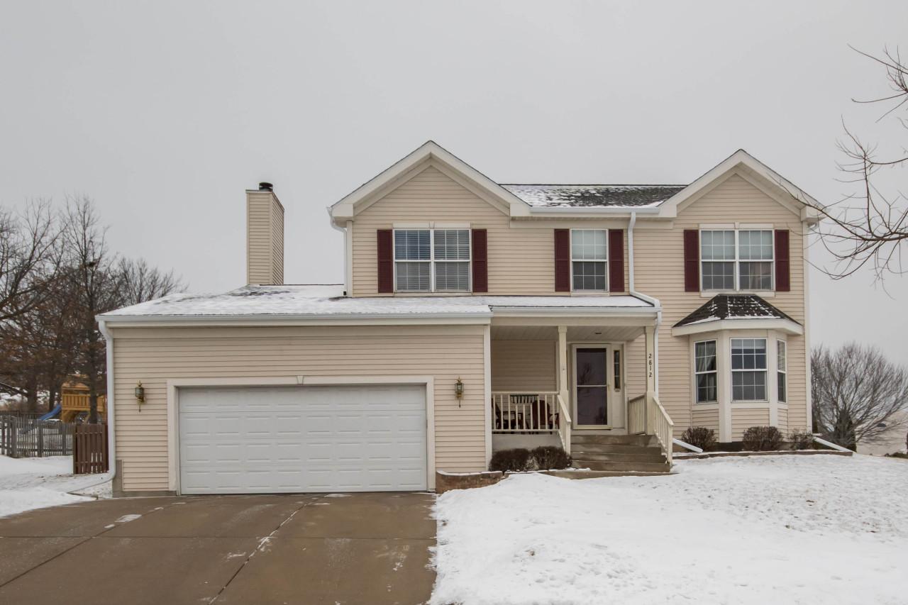 2812 Sandra Ln, Waukesha, Wisconsin 53188, 4 Bedrooms Bedrooms, 9 Rooms Rooms,2 BathroomsBathrooms,Single-Family,For Sale,Sandra Ln,1622537