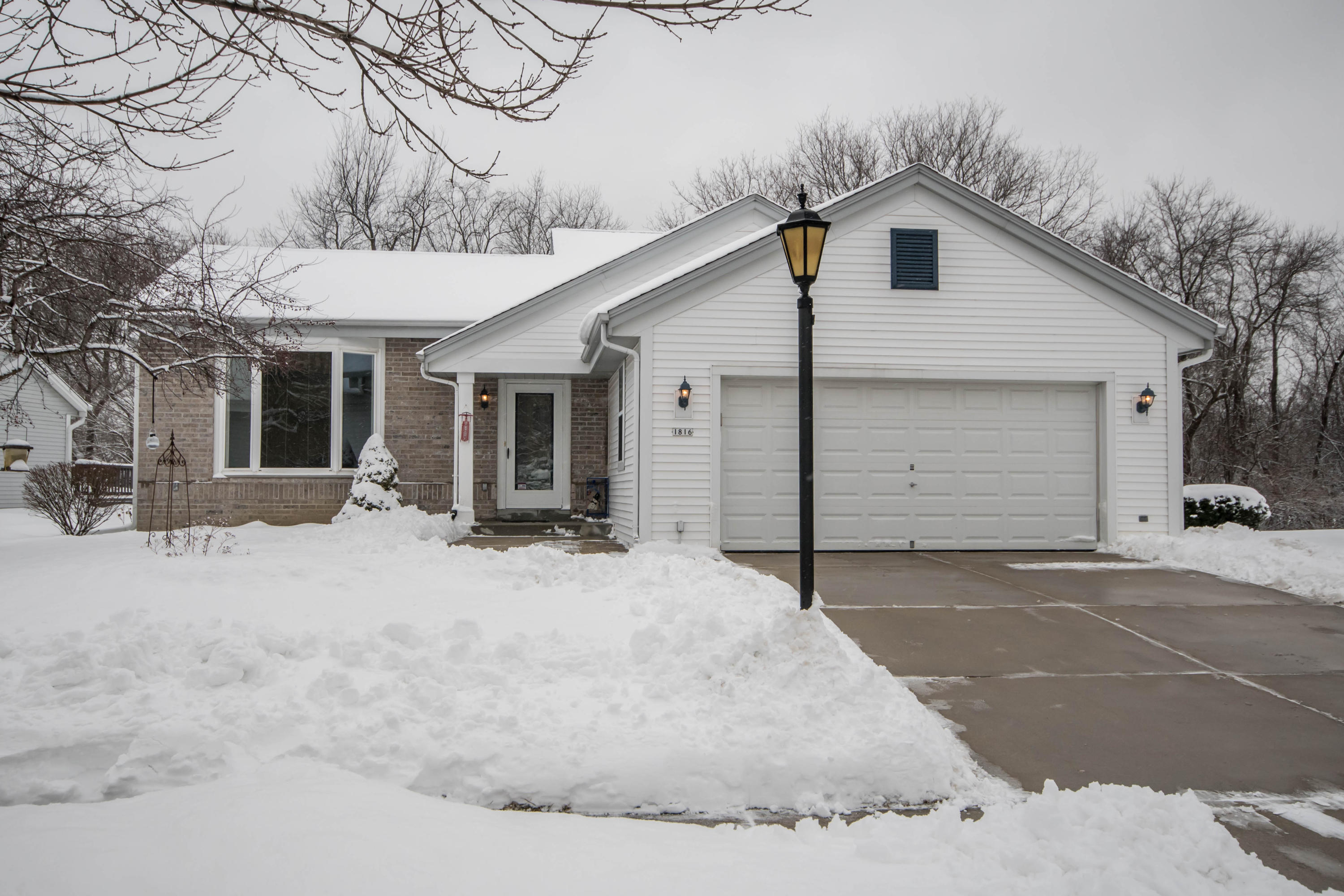 1816 Wexford Ln, Waukesha, Wisconsin 53186, 3 Bedrooms Bedrooms, 6 Rooms Rooms,2 BathroomsBathrooms,Single-Family,For Sale,Wexford Ln,1622629