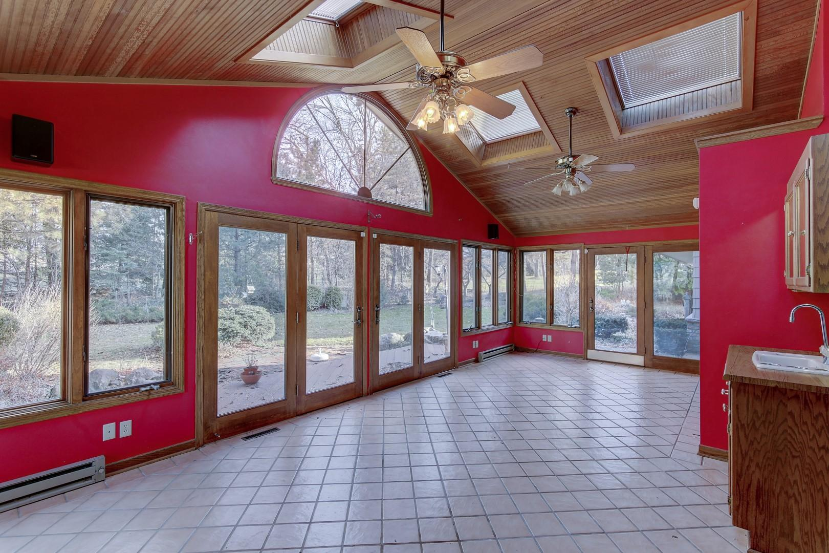 2420 Whippletree Ln, Brookfield, Wisconsin 53045, 4 Bedrooms Bedrooms, ,3 BathroomsBathrooms,Single-Family,For Sale,Whippletree Ln,1622842