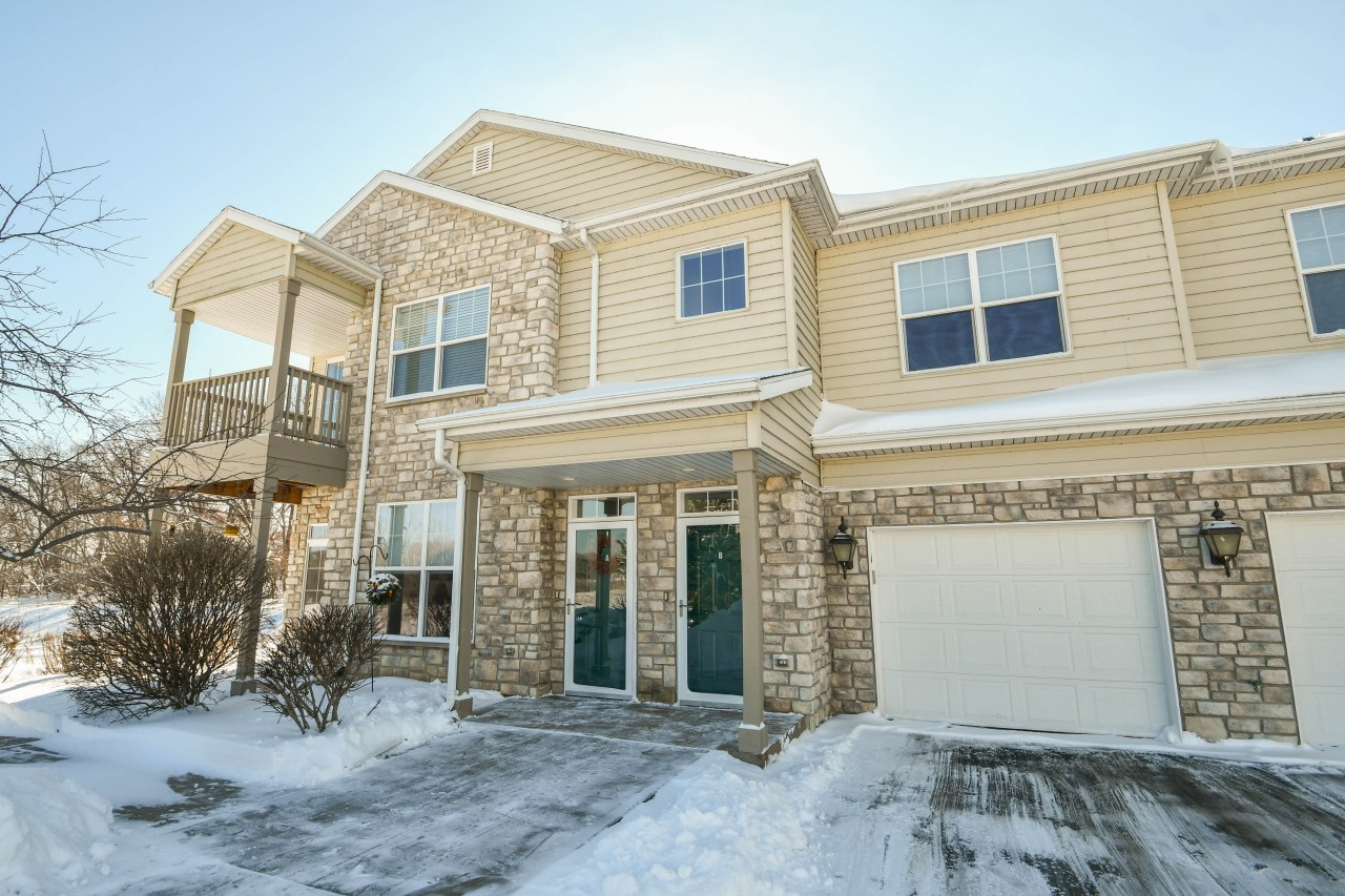 N16W26401 Meadowgrass Cir, Pewaukee, Wisconsin 53072, 1 Bedroom Bedrooms, 4 Rooms Rooms,1 BathroomBathrooms,Condominiums,For Sale,Meadowgrass Cir,1,1622775