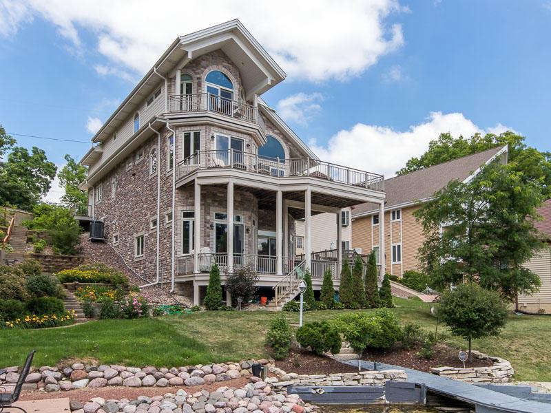 N52W34313 Gietzen Dr, Oconomowoc, Wisconsin 53069, 4 Bedrooms Bedrooms, ,4 BathroomsBathrooms,Single-Family,For Sale,Gietzen Dr,1622883