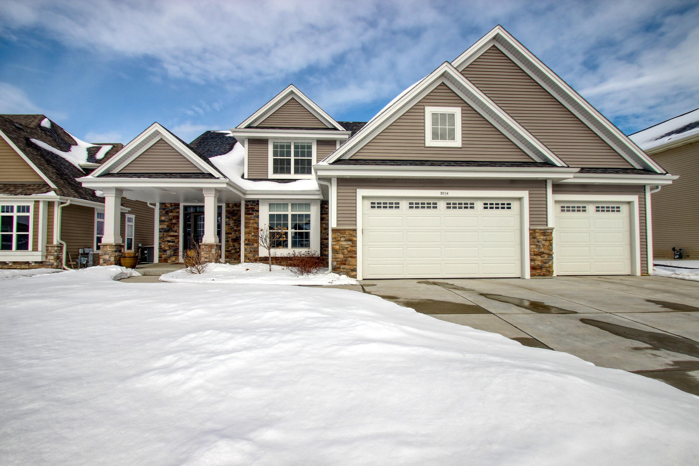 1514 Foxwood Pass, Oconomowoc, Wisconsin 53066, 4 Bedrooms Bedrooms, 10 Rooms Rooms,3 BathroomsBathrooms,Single-Family,For Sale,Foxwood Pass,1622902