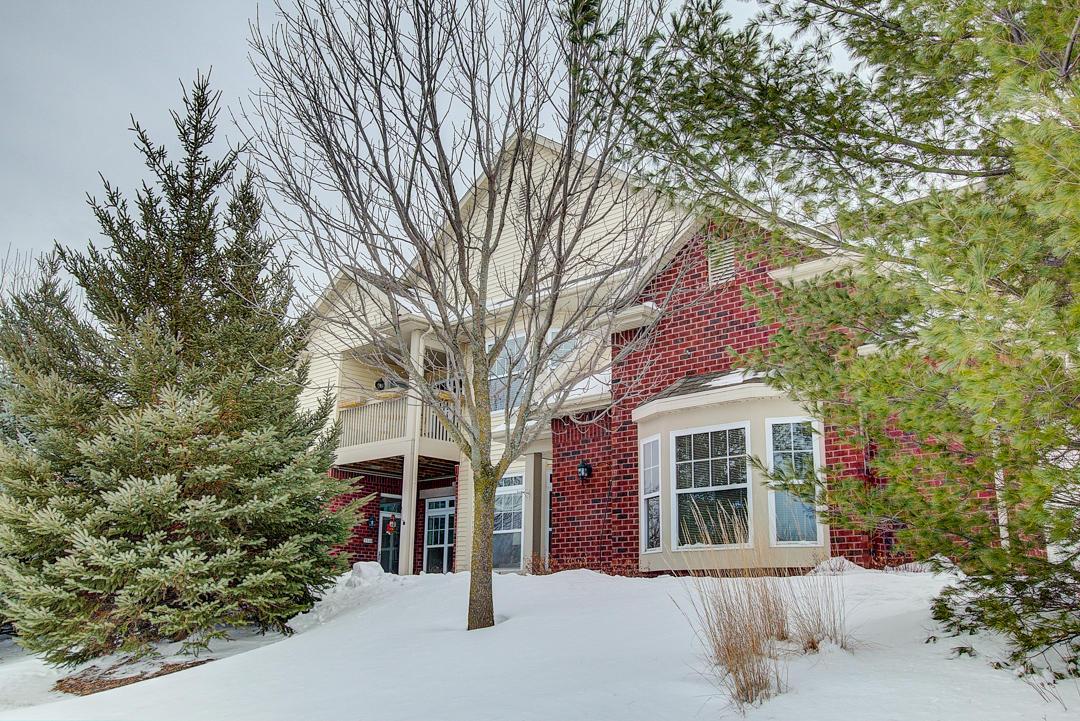571 Grandview Ct, Pewaukee, Wisconsin 53072, 2 Bedrooms Bedrooms, 6 Rooms Rooms,2 BathroomsBathrooms,Condominiums,For Sale,Grandview Ct,1,1622722
