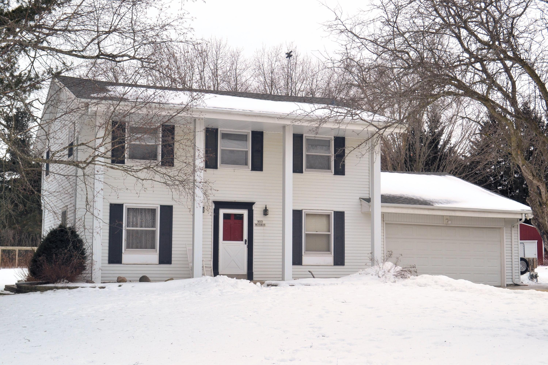 N53W35835 Hillview Ct, Oconomowoc, Wisconsin 53066, 4 Bedrooms Bedrooms, 9 Rooms Rooms,2 BathroomsBathrooms,Single-Family,For Sale,Hillview Ct,1624879