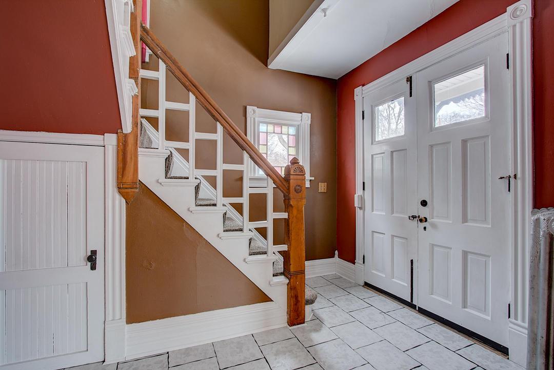 916 Oakland Ave, Waukesha, Wisconsin 53186, 4 Bedrooms Bedrooms, 11 Rooms Rooms,2 BathroomsBathrooms,Single-Family,For Sale,Oakland Ave,1624453