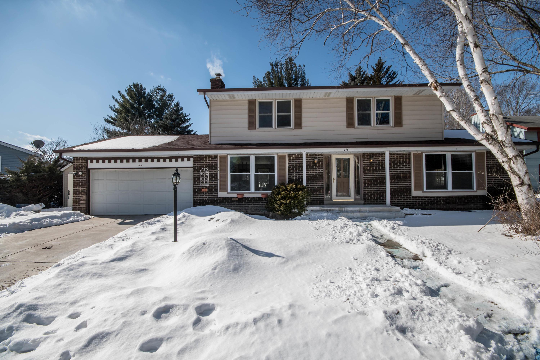818 Minaka DR, Waukesha, Wisconsin 53188, 3 Bedrooms Bedrooms, 7 Rooms Rooms,2 BathroomsBathrooms,Single-Family,For Sale,Minaka DR,1624850