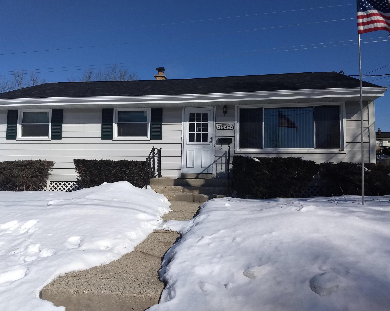 1540 Cedar Ln, Waukesha, Wisconsin 53188, 3 Bedrooms Bedrooms, ,1 BathroomBathrooms,Single-Family,For Sale,Cedar Ln,1624845