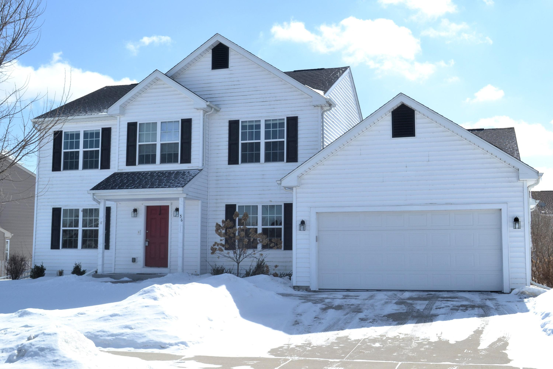 56 Happy Hollow Ln, Oconomowoc, Wisconsin 53066, 4 Bedrooms Bedrooms, ,2 BathroomsBathrooms,Single-Family,For Sale,Happy Hollow Ln,1624967
