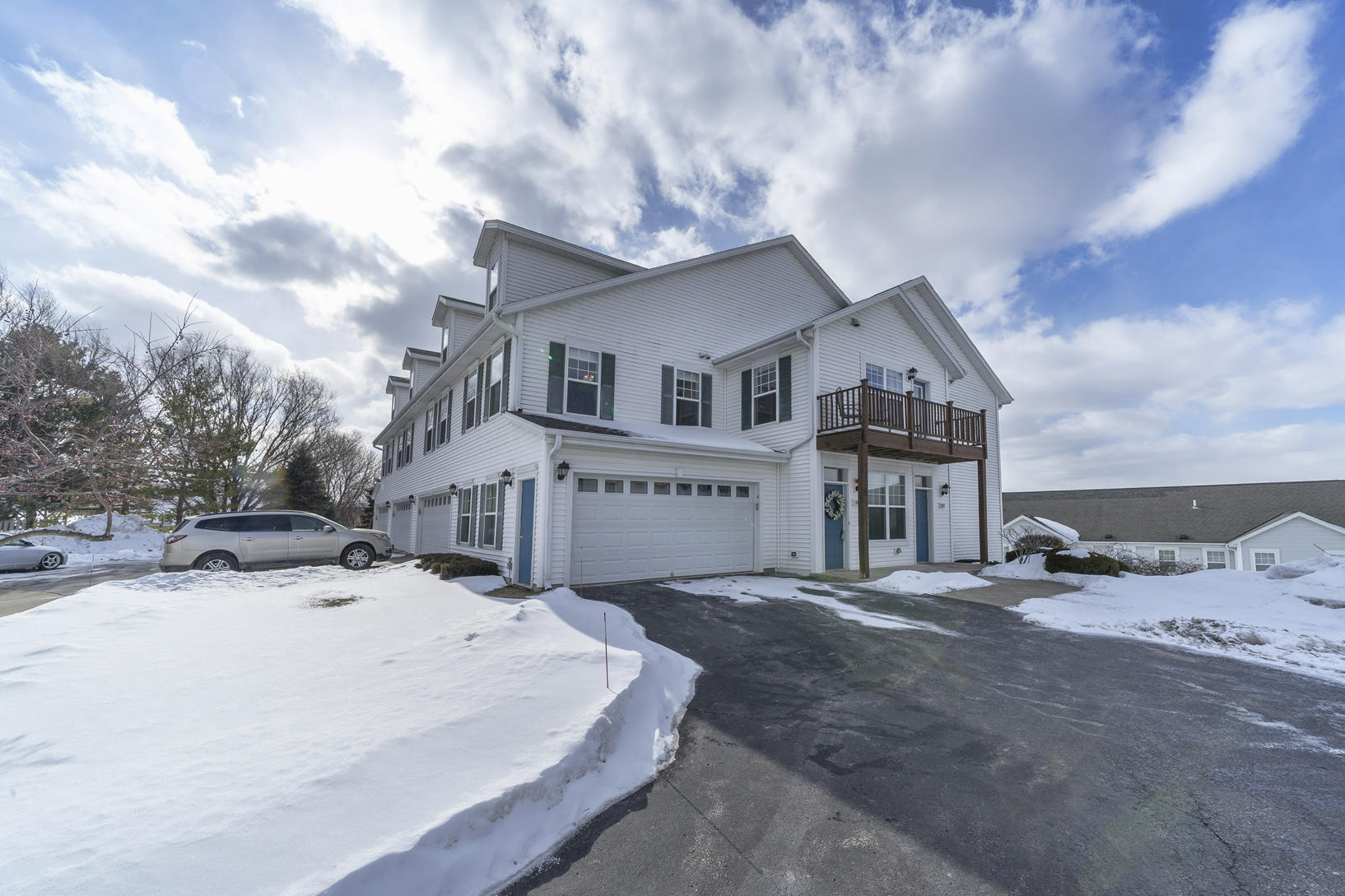 1201 Woodbury Commons, Waukesha, Wisconsin 53189, 3 Bedrooms Bedrooms, 5 Rooms Rooms,2 BathroomsBathrooms,Condominiums,For Sale,Woodbury Commons,2,1624916