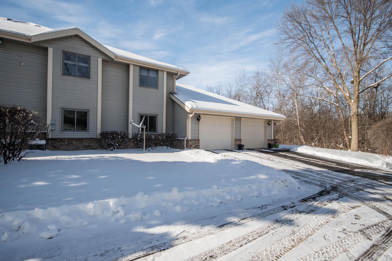 2112 Woodburn Rd, Waukesha, Wisconsin 53188, 2 Bedrooms Bedrooms, ,2 BathroomsBathrooms,Condominiums,For Sale,Woodburn Rd,2,1625448