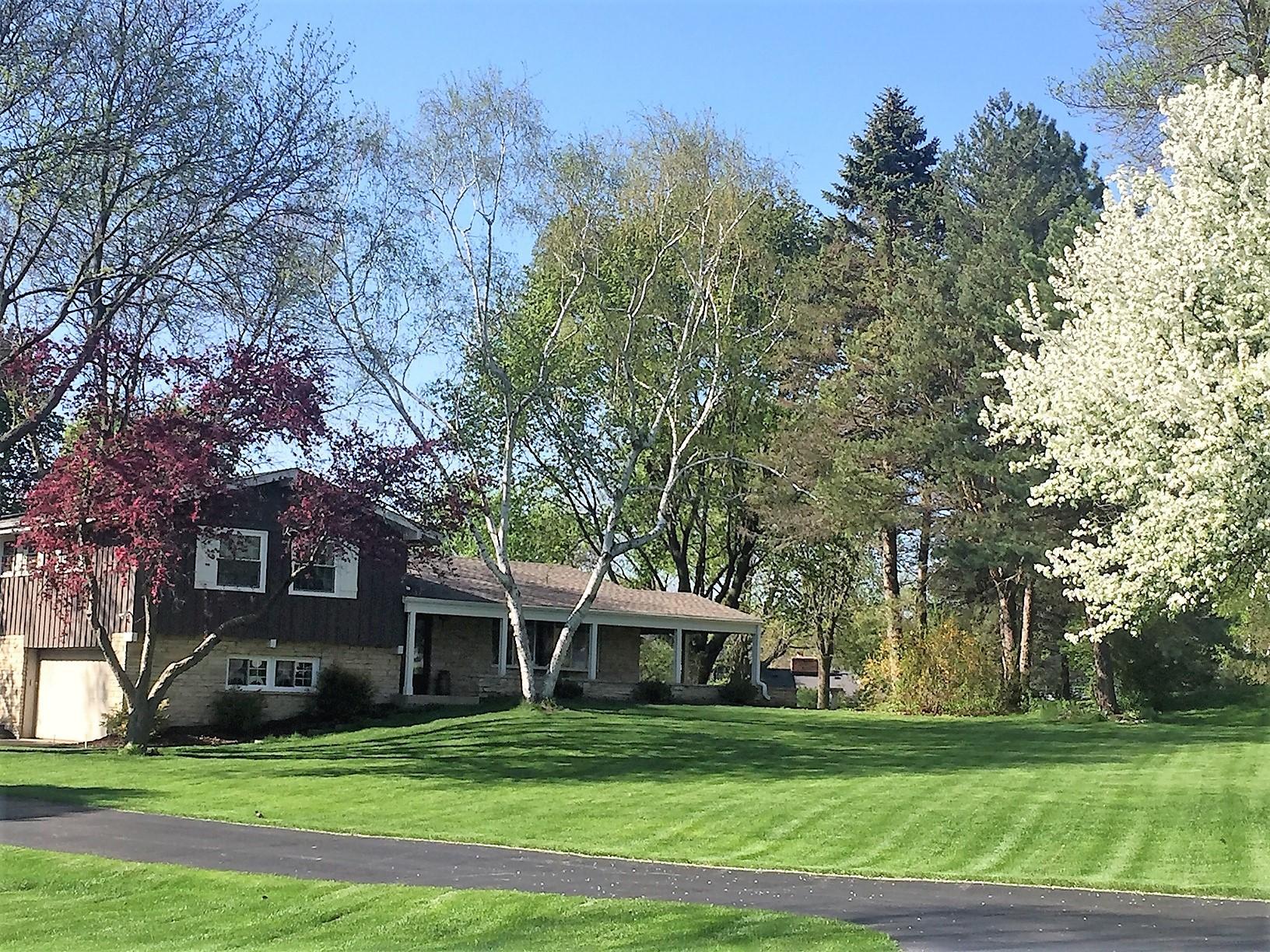 S23W26238 Canterbury Ln, Waukesha, Wisconsin 53188, 4 Bedrooms Bedrooms, ,2 BathroomsBathrooms,Single-Family,For Sale,Canterbury Ln,1625656