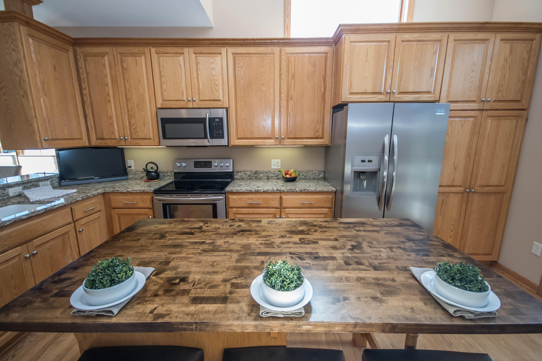 501 Spring Crest Cir, Waukesha, Wisconsin 53188, 2 Bedrooms Bedrooms, 7 Rooms Rooms,2 BathroomsBathrooms,Condominiums,For Sale,Spring Crest Cir,1,1625494