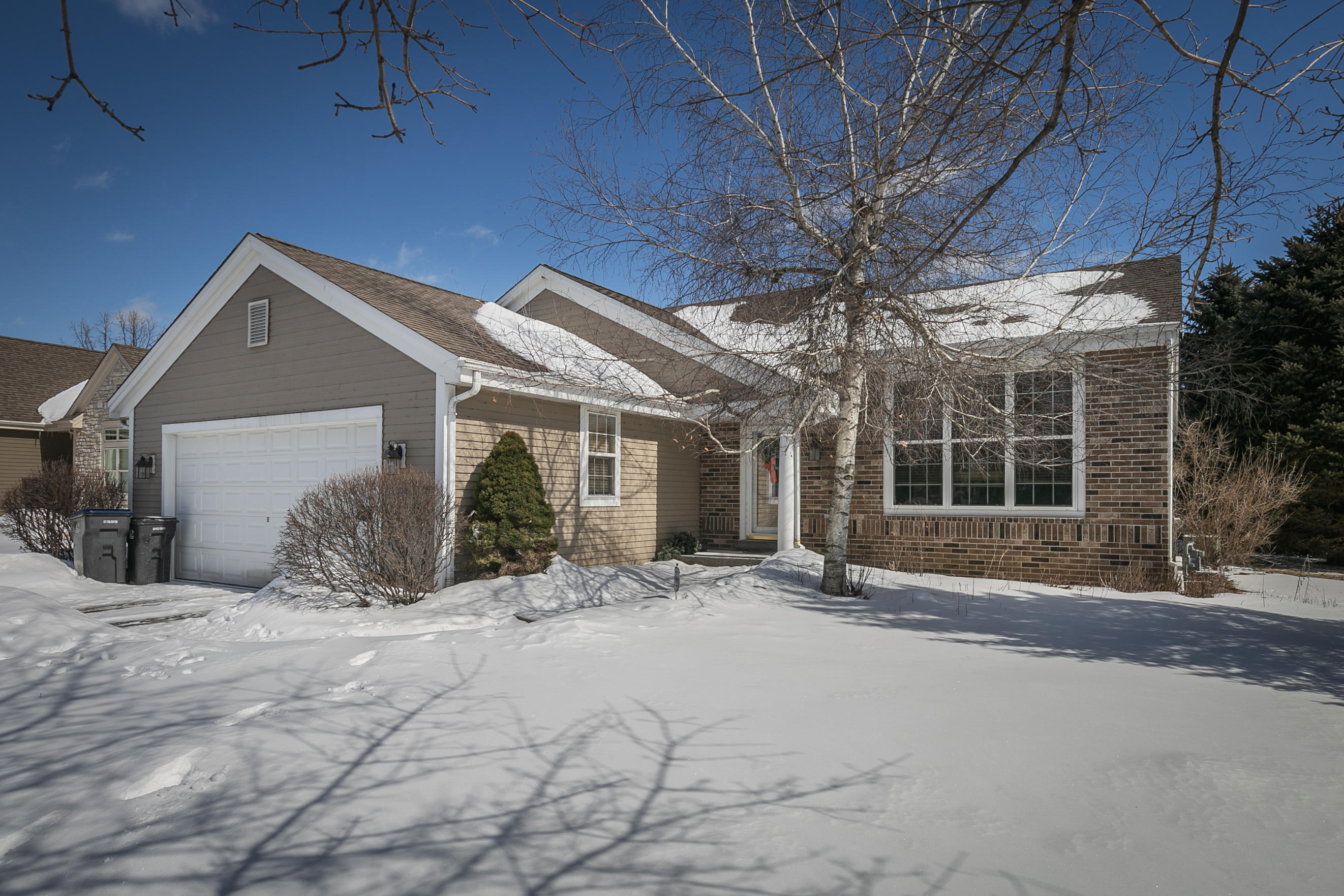 1240 Chesterwood Ln, Pewaukee, Wisconsin 53072, 3 Bedrooms Bedrooms, ,2 BathroomsBathrooms,Single-Family,For Sale,Chesterwood Ln,1625785