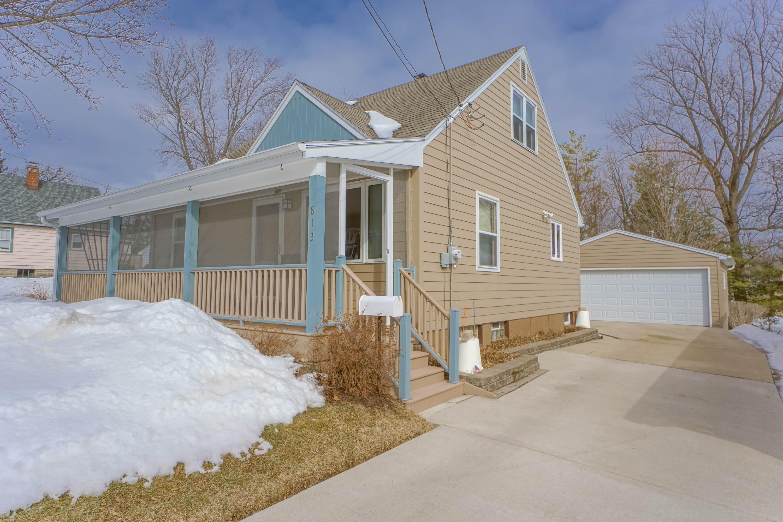 813 Westowne Ave, Waukesha, Wisconsin 53188, 4 Bedrooms Bedrooms, 6 Rooms Rooms,2 BathroomsBathrooms,Single-Family,For Sale,Westowne Ave,1625793