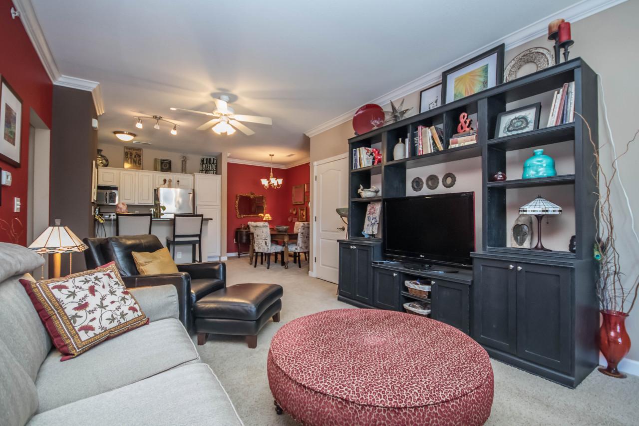 2704 Northview Rd, Waukesha, Wisconsin 53188, 1 Bedroom Bedrooms, 4 Rooms Rooms,1 BathroomBathrooms,Condominiums,For Sale,Northview Rd,1,1624515