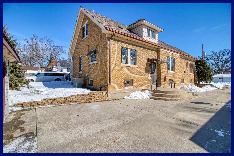 834 Genesee St, Waukesha, Wisconsin 53186, 3 Bedrooms Bedrooms, 7 Rooms Rooms,1 BathroomBathrooms,Single-Family,For Sale,Genesee St,1625625