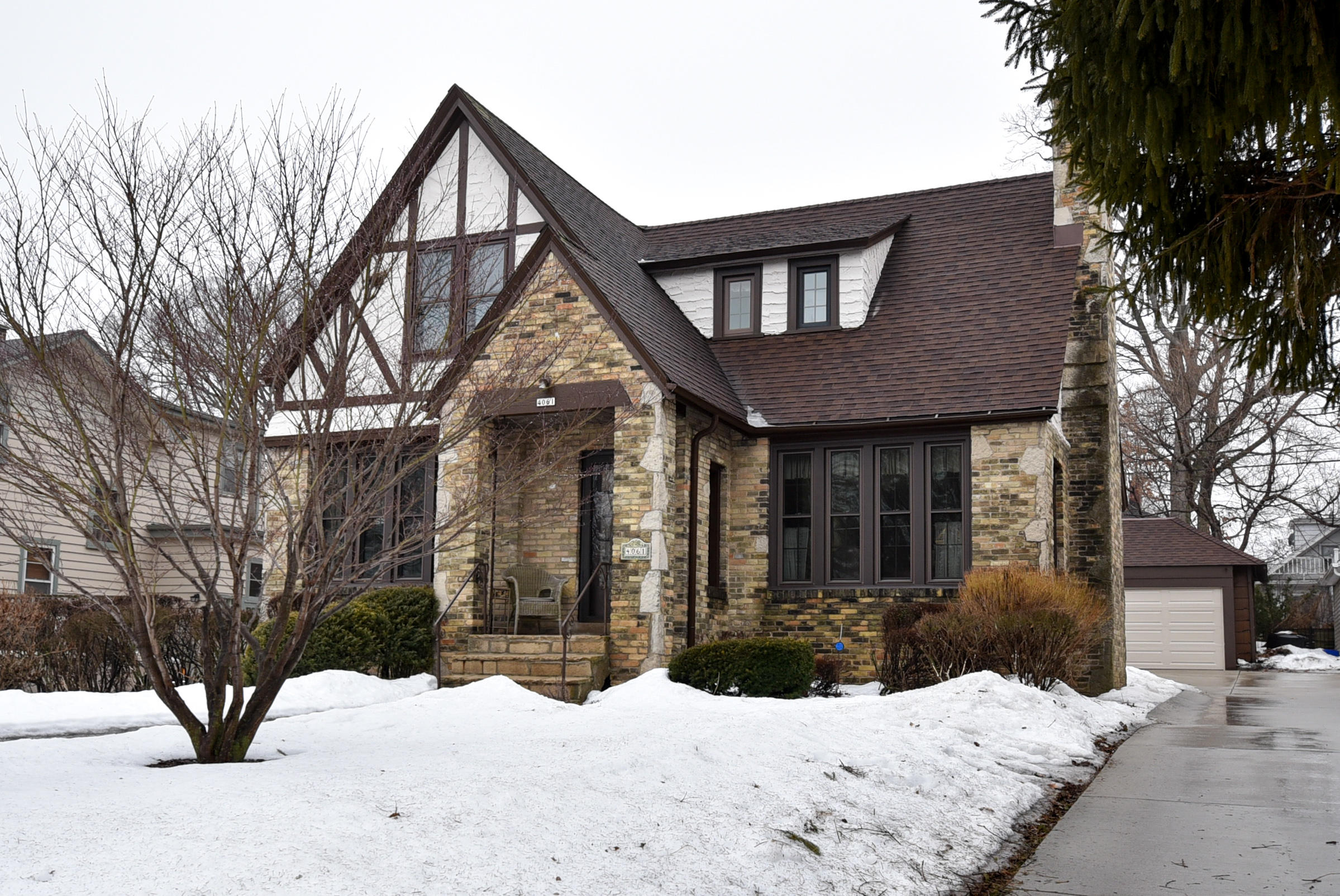 4061 N Farwell Ave Shorewood, WI 53211 Property Image