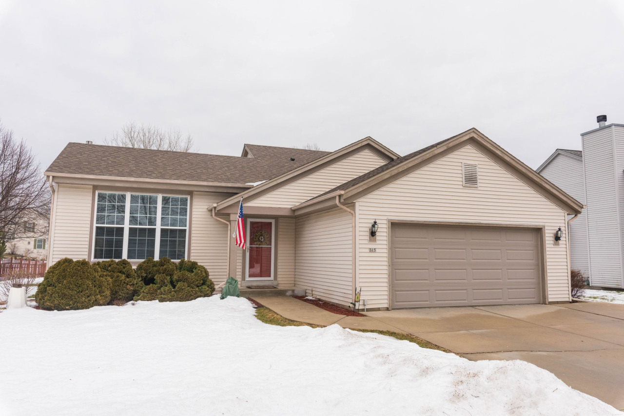 315 Rempe Dr, Waukesha, Wisconsin 53186, 3 Bedrooms Bedrooms, 6 Rooms Rooms,2 BathroomsBathrooms,Single-Family,For Sale,Rempe Dr,1626218