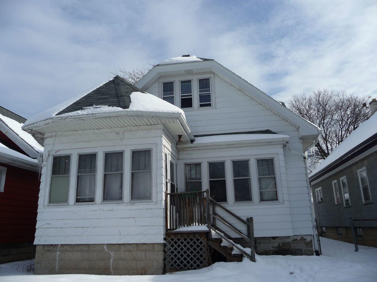 4624 41st St, Milwaukee, Wisconsin 53209, 5 Bedrooms Bedrooms, 7 Rooms Rooms,2 BathroomsBathrooms,Single-Family,For Sale,41st St,1626629