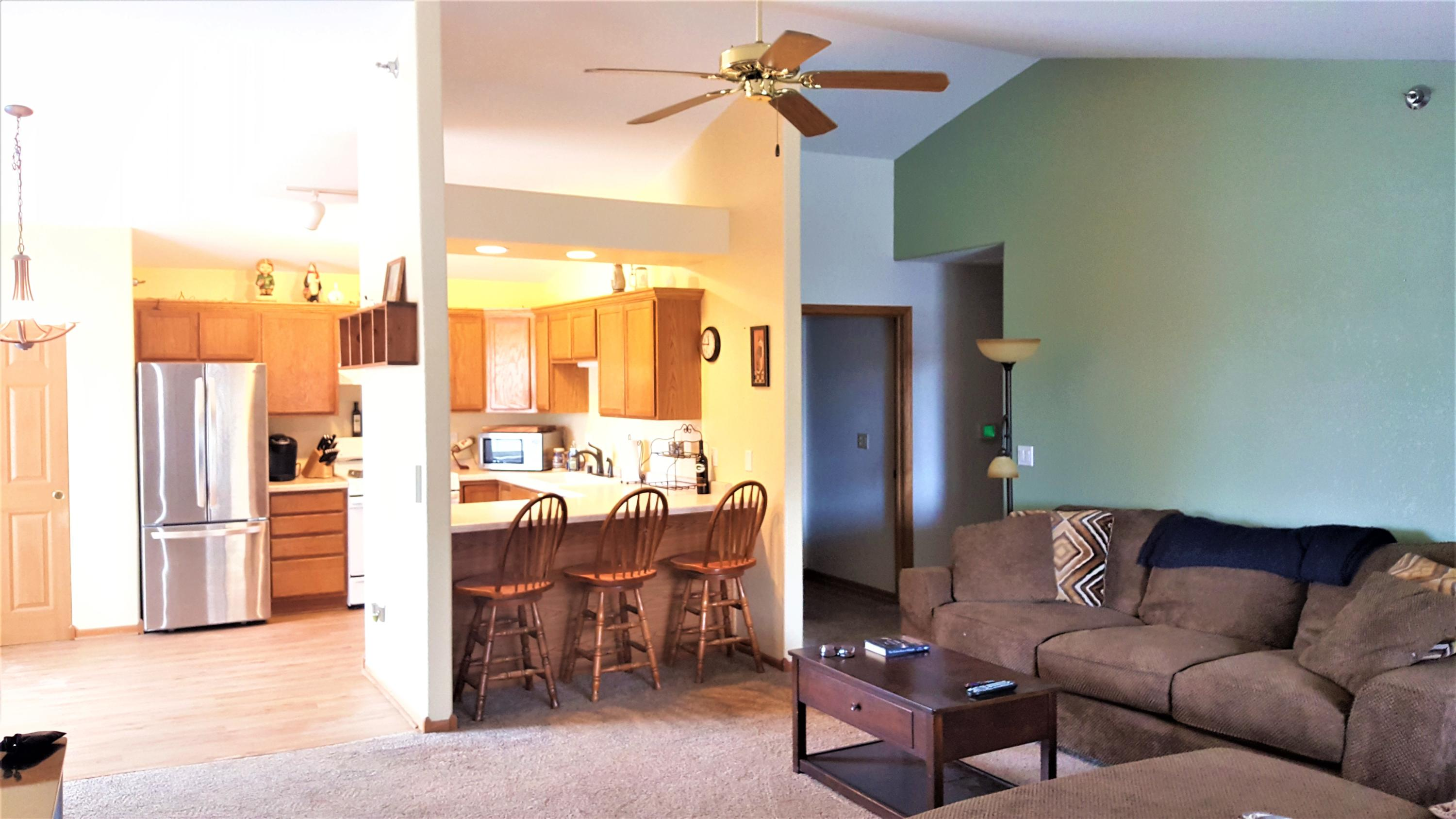 1038 River Place Blvd, Waukesha, Wisconsin 53189, 3 Bedrooms Bedrooms, 5 Rooms Rooms,2 BathroomsBathrooms,Condominiums,For Sale,River Place Blvd,2,1626305