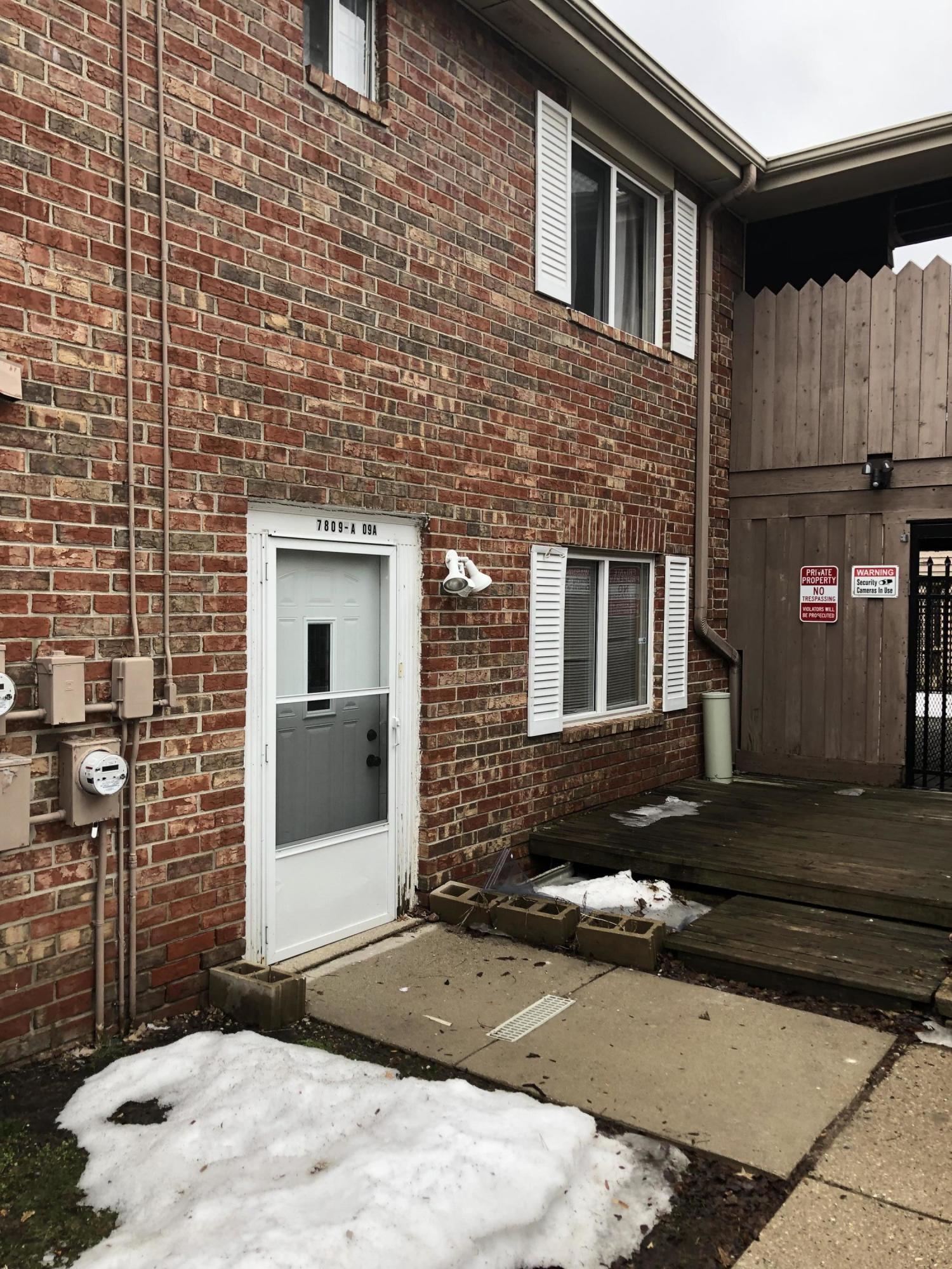 7809 60th St, Milwaukee, Wisconsin 53223, 3 Bedrooms Bedrooms, ,2 BathroomsBathrooms,Condominiums,For Sale,60th St,2,1626511