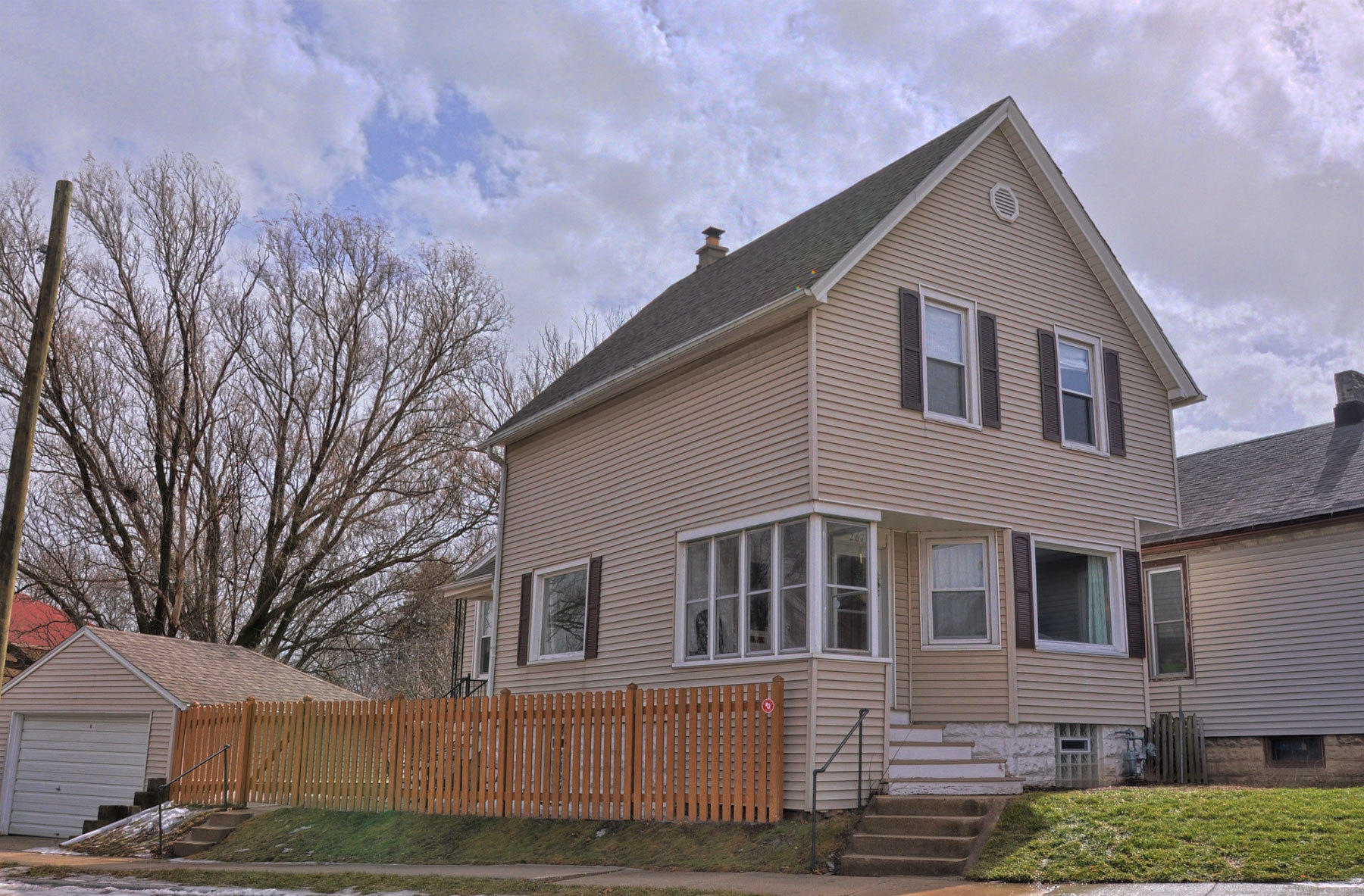2678 Clement Ave, Milwaukee, Wisconsin 53207, 3 Bedrooms Bedrooms, 6 Rooms Rooms,1 BathroomBathrooms,Single-Family,For Sale,Clement Ave,1626656