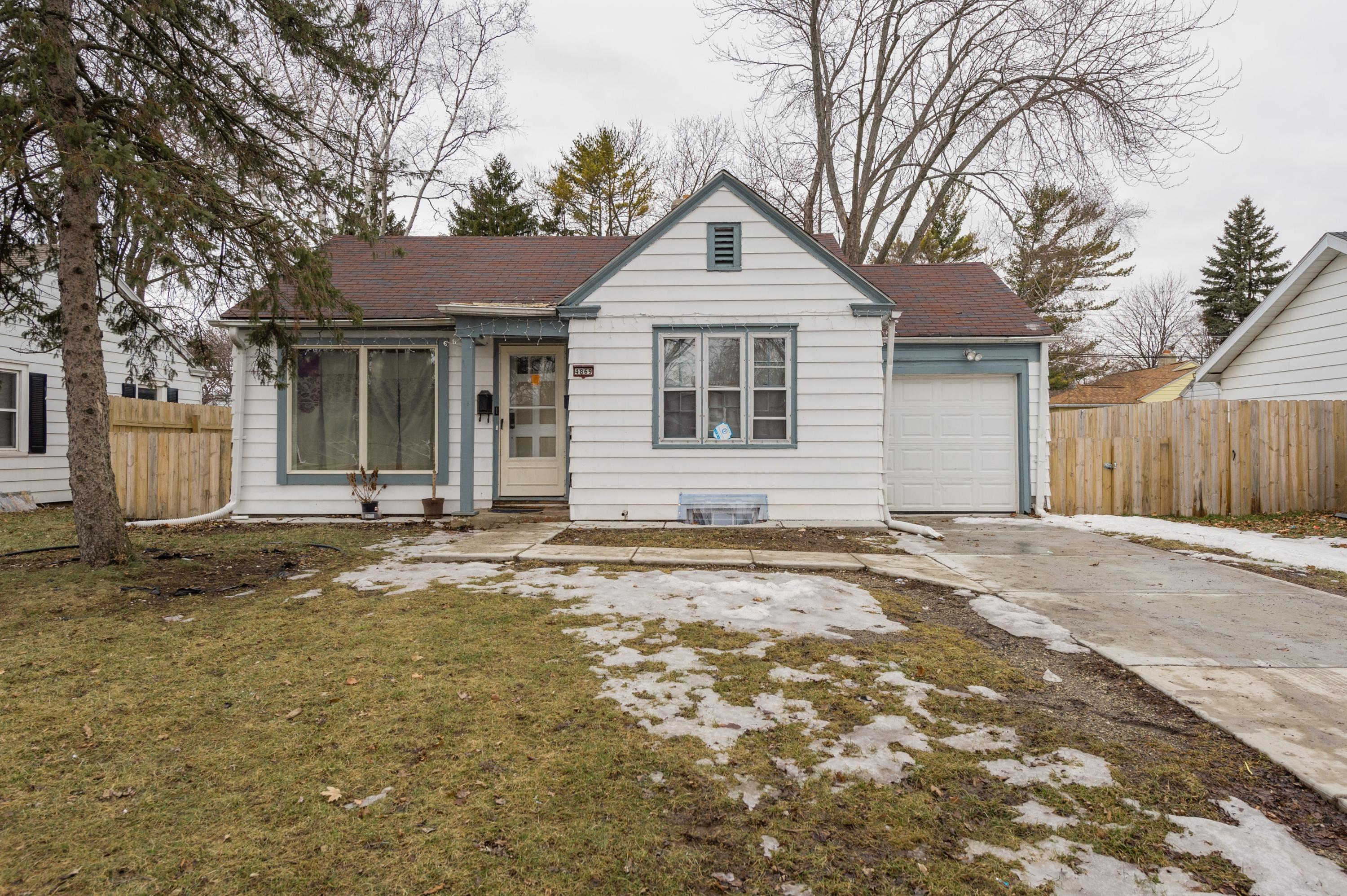 4869 52nd St, Milwaukee, Wisconsin 53218, 3 Bedrooms Bedrooms, ,1 BathroomBathrooms,Single-Family,For Sale,52nd St,1626684