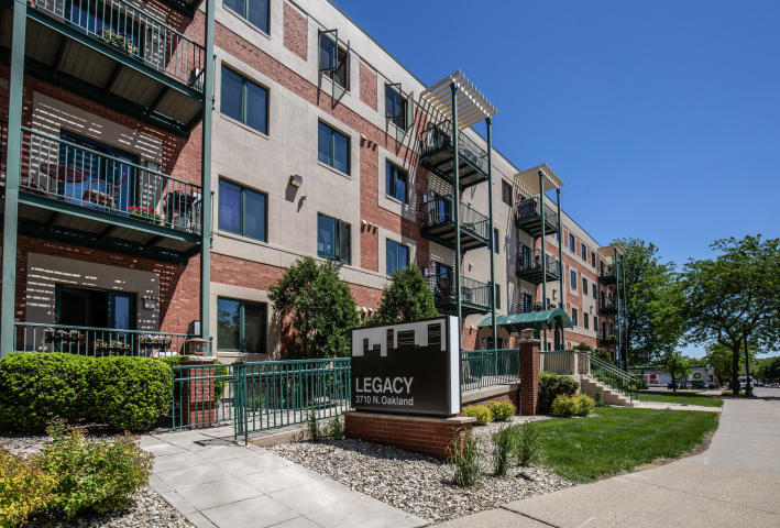 3710 N Oakland Ave #302