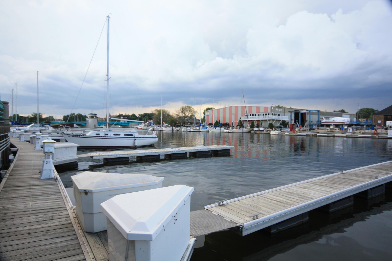 32 Gaslight Pointe Marina