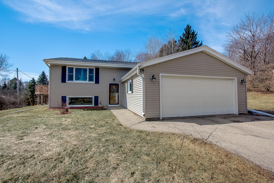 W279S8765 Lookout Cir