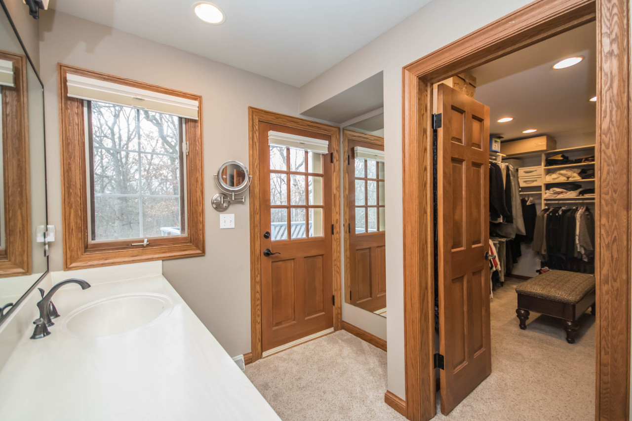 W303N3247 Timber Hill Ct, Delafield, Wisconsin 53072, 5 Bedrooms Bedrooms, 13 Rooms Rooms,4 BathroomsBathrooms,Single-Family,For Sale,Timber Hill Ct,1616182