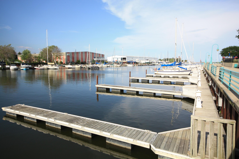 57 Gaslight Pointe Marina, Racine, Wisconsin 53406, ,Condominiums,For Sale,Gaslight Pointe Marina,1627793