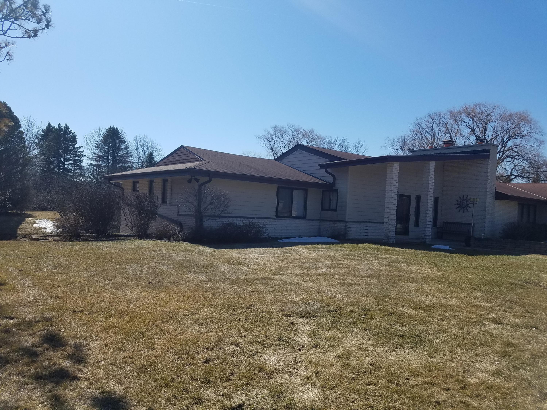 1545 W Cedar Ln River Hills, WI 53217 Property Image