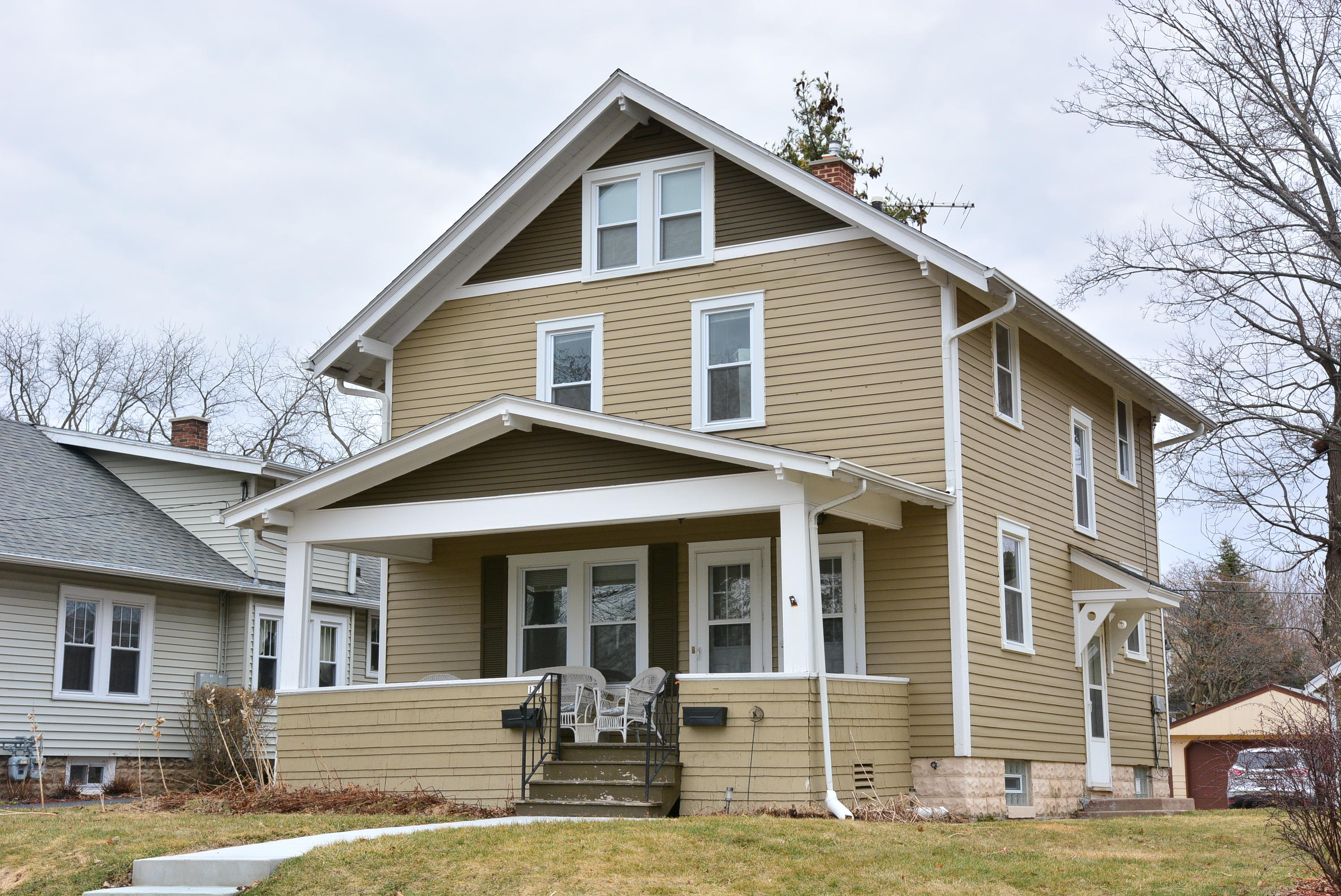 137 Newhall Ave, Waukesha, Wisconsin 53186, 1 Bedroom Bedrooms, 4 Rooms Rooms,1 BathroomBathrooms,Two-Family,For Sale,Newhall Ave,1,1629052