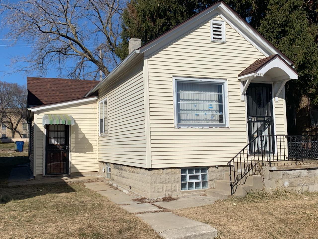 2457 Holton St, Milwaukee, Wisconsin 53212, 2 Bedrooms Bedrooms, 5 Rooms Rooms,1 BathroomBathrooms,Single-Family,For Sale,Holton St,1629239